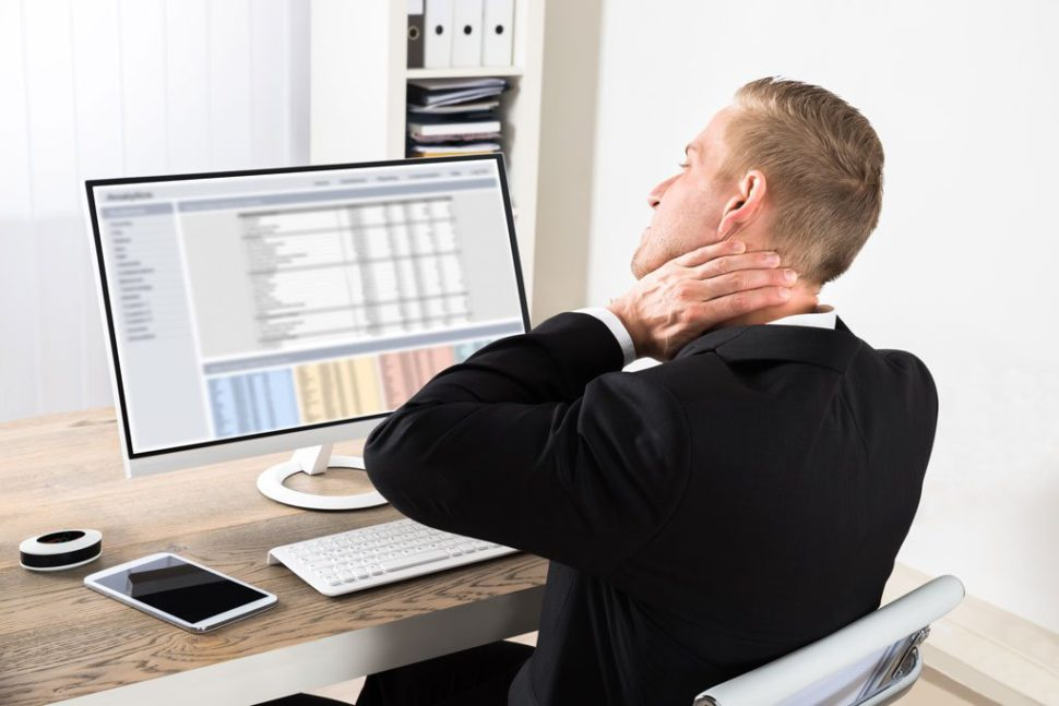 Avoiding neck pain with ergonomic office chairs